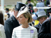 What are the pressures of royal fashion?